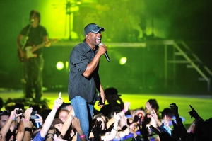 Darius Rucker Of Hootie & The Blowfish performing on Daniel Island back in August of 2009