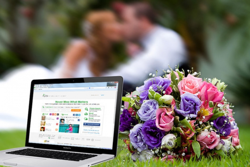 90% of brides will book their wedding vendors online